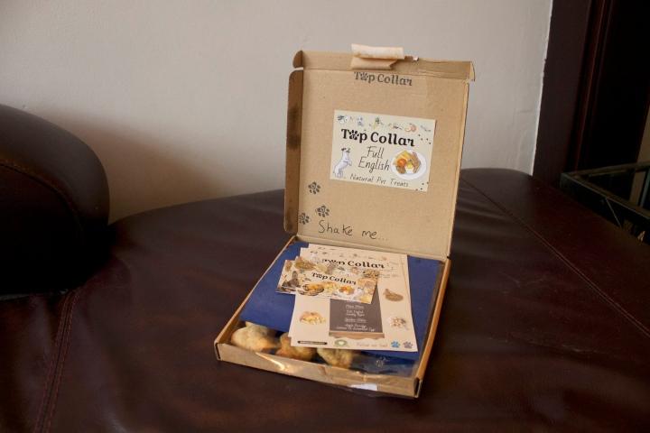 top collar box inside